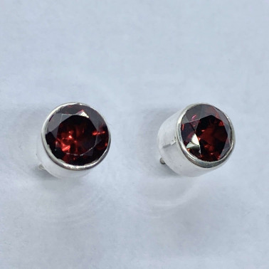 ER 10337 A-GR-BALI SILVER EARRINGS WITH GARNET