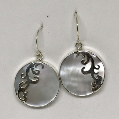 ER 12379 B-MP-(HANDMADE 925 BALI SILVER EARRINGS WITH ROUND MOTHER OF PEARL)