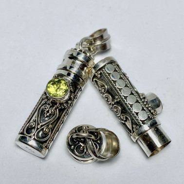 PD 14382 PD-( 925 BALI SILVER PERFUME PRAYER PILL BOX PENDANT WITH PERIDOT )