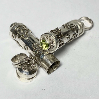 PD 09648 PD-PERFUME PRAYER PILL BOX 925 BALI SILVER PENDANT WITH PERIDOT