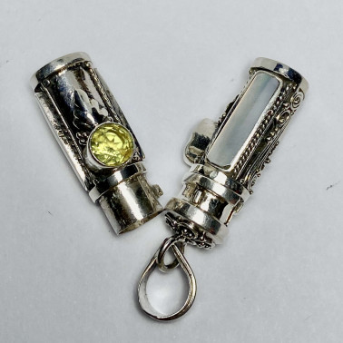 PD 14590 MP-PD-PERFUME PRAYER PILL BOX 925 BALI SILVER PENDANT WITH MOP PERIDOT