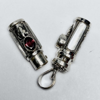 PD 14590 MP-GR-PERFUME PRAYER PILL BOX 925 BALI SILVER PENDANT WITH MOP GARNET