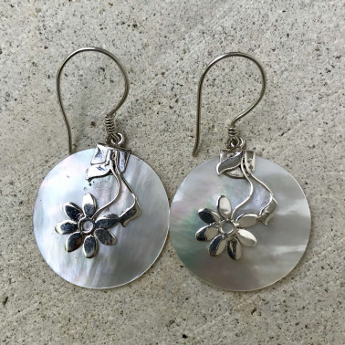 ER 08069 MP-BALI SILVER EARRINGS WITH MOP