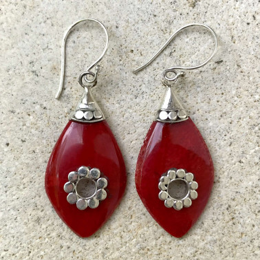 ER 13647 CR-BALI SILVER EARRINGS WITH RED CORAL