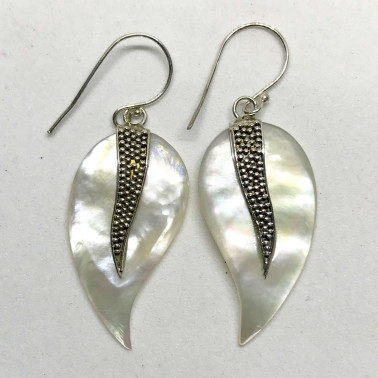 ER 12938 MP-(HANDMADE 925 BALI SILVER EARRINGS WITH MOTHER OF PEARL)