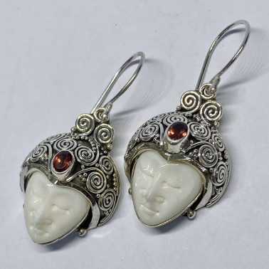 ER 11679 B-BN-GR-(HANDMADE 925 BALI SILVER BONE FACE EARRINGS WITH GARNET)