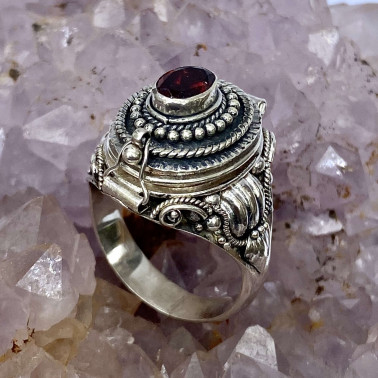 RR 14596 GR-(HANDMADE 925 BALI STERLING SILVER POISON RING WITH GARNET)