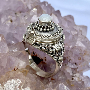 RR 13767 MS-(HANDMADE 925 BALI STERLING SILVER POISON RING WITH MOONSTONE)