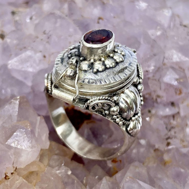 RR 13983 GR-(HANDMADE 925 BALI STERLING SILVER POISON RING WITH GARNET)