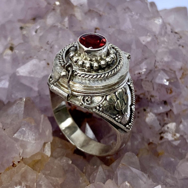 RR 13946 GR-(HANDMADE 925 BALI STERLING SILVER POISON RING WITH GARNET)