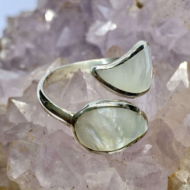 RR 14690 MP-(HANDMADE 925 BALI STERLING SILVER RING WITH MOTHER OF PEARL)