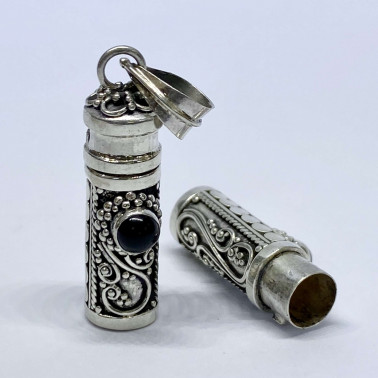 PD 08119 S-OX-(HANDMADE 925 BALI SILVER PERFUME PRAYER PILL BOX PENDANT WITH ONYX)