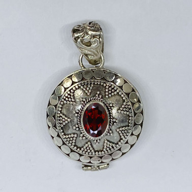 PD 12578 B-GR-(HANDMADE 925 BALI SILVER PERFUME PRAYER PILL BOX PENDANT WITH GARNET)