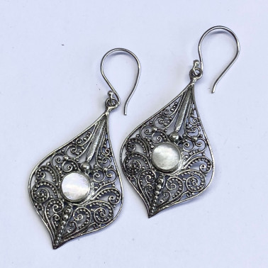 ER 12490 C-MP-(BALI 925 STERLING SILVER FILIGREE EARRINGS WITH MOTHER OF PEARL)