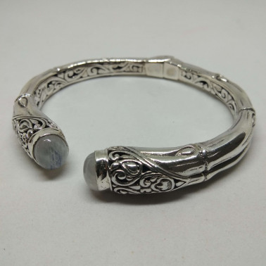 BR 12886-(HANDMADE 925 BALI SILVER HINGED CUFF BAMBOO BRACELET WITH MOONSTONE)