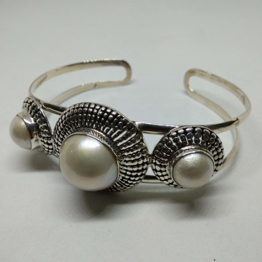 BR 010845-HANDMADE 925 BALI SILVER BRACELET WITH MABE PEARL