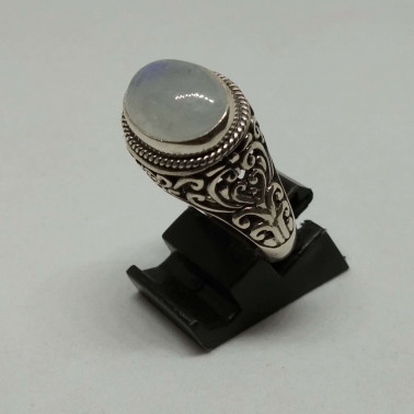 RR 13043-1 PC OF HAND CARVED 925 BALI SILVER RINGS WITH MOONSTONE