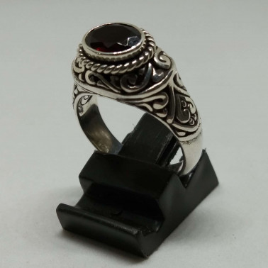 RR 13938 GR-(HANDMADE 925 BALI SILVER FILIGREE RINGS WITH GARNET)