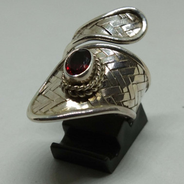RR 13570-1 PC OF HAND CARVED 925 BALI SILVER RINGS WITH GARNET