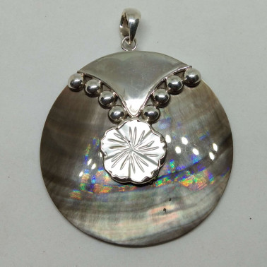 PD 10187-(HANDMADE 925 BALI SILVER PENDANT WITH SHELL)