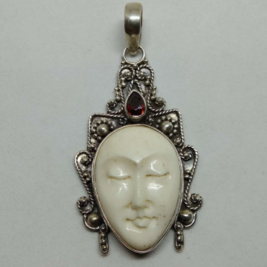 PD 04303 BN-GR-(HANDMADE  925 BALI SILVER PENDANT WITH BONE AND GARNET)