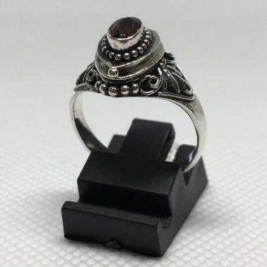 RR 02009 GR-(HANDMADE 925 BALI SILVER POISON RING WITH GARNET)