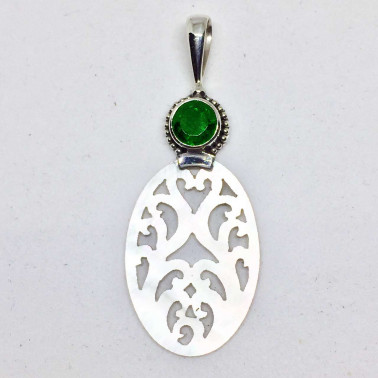 PD 13776  GQ-(925 BALI SILVER HAND CARVING SHELL PENDANT WITH GREEN QUARTZ)