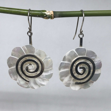 ER 09596 MP-BALI 925 STERLING SILVER EARRINGS WITH MOP