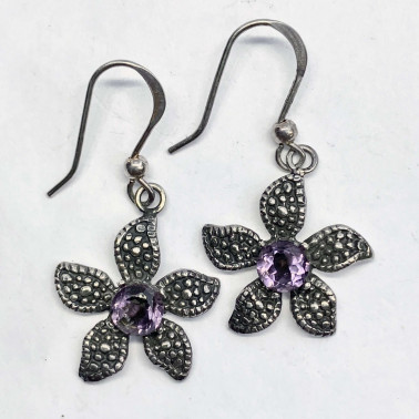 ER 08907 AM-(UNIQUE 925 BALI SILVER DAISY EARRINGS WITH AMETHYST)