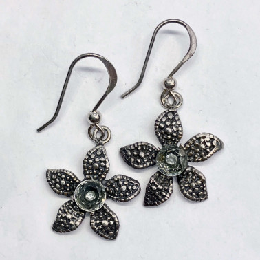 ER 08907 BT-(UNIQUE 925 BALI SILVER DAISY EARRINGS WITH TOPAZ)
