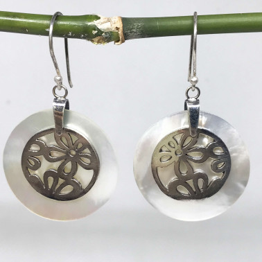 ER 09594 MP-(925 BALI SILVER DAISY EARRINGS WITH MOTHER OF PEARL)
