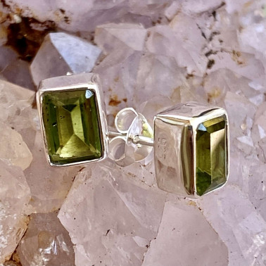 ER 10337 A-PD-(HANDMADE 92 BALI STERLING SILVER EARRINGS WITH PERIDOT)