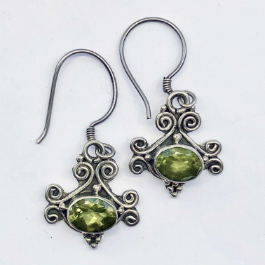 ER 10564 PD-(HANDMADE 925 BALI STERLING SILVER EARRINGS WITH PERIDOT