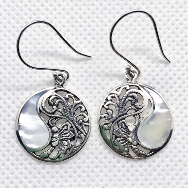 ER 12122 MP-(925 BALI SILVER BUTTERFLY EARRINGS WITH MOTHER OF PEARL)