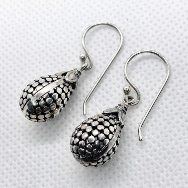 ER 13630-(UNIQUE 925 BALI STERLING SILVER ARMADILLO EARRINGS)