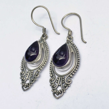ER 14157 AM-(BALI 925 STERLING SILVER EARRINGS WITH GARNET)