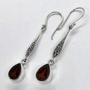 ER 14194 GR-(HANDMADE 925 BALI SILVER FILIGREE EARRINGS WITH GARNET)