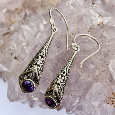 ER 14207 AM-(HANDMADE 925 BALI SILVER FILIGREE EARRINGS WITH GARNET)