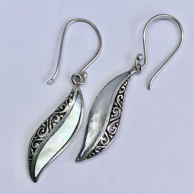 ER 14220 MP-(BALI 925 STERLING SILVER EARRINGS WITH MOTHER OF PEARL)