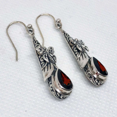 ER 14444 GR-(UNIQUE 925 BALI SILVER BUTTERFLY EARRINGS WITH GARNET)