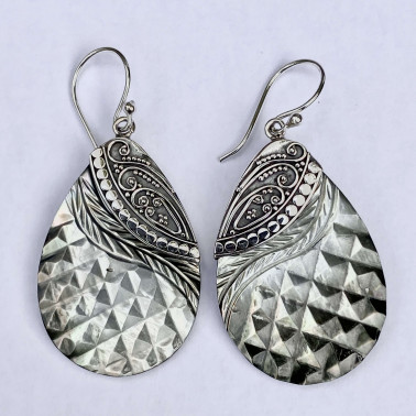 ER 14768-(HANDMADE 925 BALI SILVER EARRINGS WITH CHAMPAIGN SHELL)
