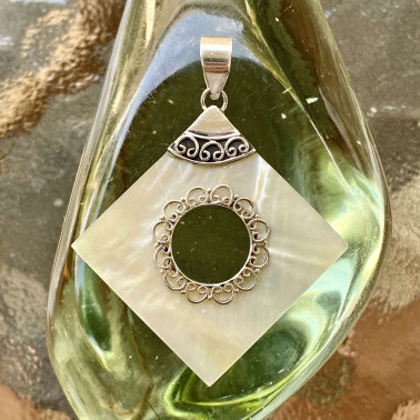 PD 06358 MP-(HANDMADE 925 BALI STERLING SILVER PENDANTS WITH MOTHER OF PEARL)