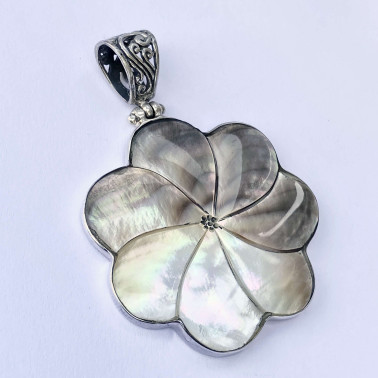 PD 08393-(HANDMADE 925 BALI SILVER PENDANT WITH SHELL)