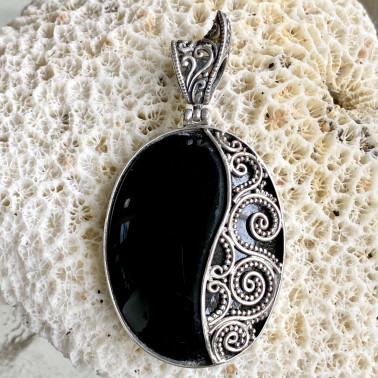 PD 08821 OX-((HANDMADE 925 BALI STERLING SILVER PENDANTS WITH ONYX)