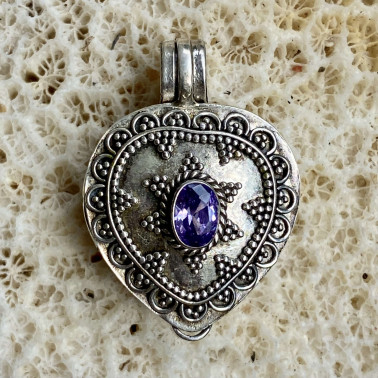 PD 09464 AM-(HANDMADE 925 BALI SILVER PERFUME PRAYER PILL BOX PENDANT WITH AMETHYST)