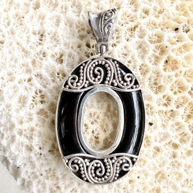 PD 09773 OX-(HANDMADE 925 BALI STERLING SILVER PENDANTS WITH ONYX)