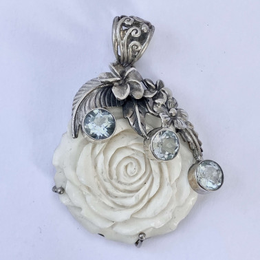 PD 10758 BN-BT-(HANDMADE 925 BALI SILVER BONE FLOWER PENDANT WITH BLUE TOPAZ)