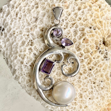 PD 11705-(HANDMADE 925 BALI STERLING SILVER PENDANTS WITH WHITE MABE PEARL)