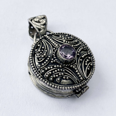 PD 14117 AM-(HANDMADE 925 BALI SILVER PERFUME PRAYER PILL BOX PENDANT WITH AMETHYST)