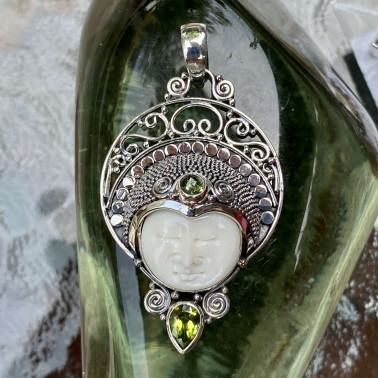 PD 14163 MIX-(HANDMADE 925 BALI SILVER BONE FACE PENDANT WITH MIX STONES)